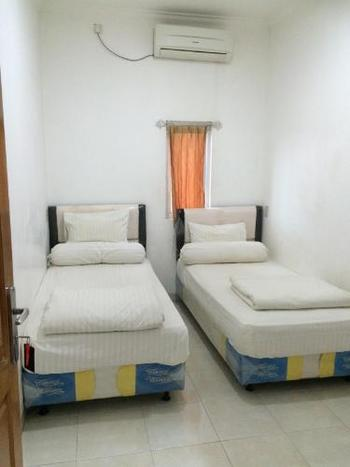 Gloria Mess Bangka Pangkalpinang - Deluxe Sharebathroom(Tamu berpasangan harus suami-istri SAH) Regular Plan