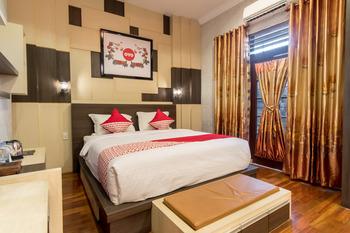 OYO 619 Naufal Guest House Syariah Medan - suite double Room Regular Plan