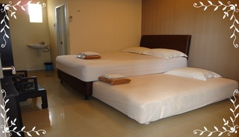 Galaxy Hotel Surabaya Surabaya - Deluxe Twin 4 Room Only Regular Plan