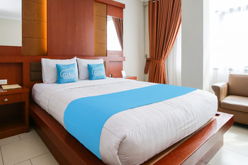 Airy Tanjung Karang Raden Intan 35 Lampung - Executive Double Room with Breakfast Special Promo 45