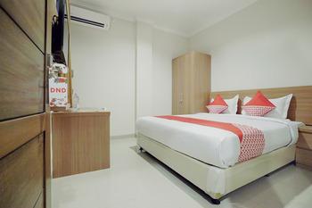OYO 415 The Kartini 8 Residence Near RSUD Sawah Besar Jakarta - Deluxe Double Room Regular Plan