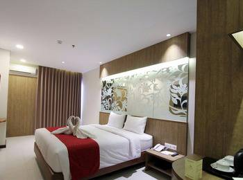 West Point Hotel Bandung - Superior King Regular Plan