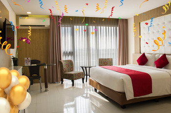 West Point Hotel Bandung - Junior Suite With Breakfast & Free Minibar Regular Plan
