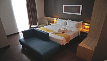 Horison Sky Kualanamu Medan - Junior Suite Regular Plan