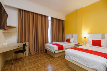 RedDoorz Plus @ Blessing Hotel Palembang Palembang - RedDoorz Deluxe Twin Room with Breakfast Regular Plan