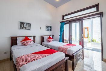 OYO 915 Villa Sari Bali - Standard Twin Room Regular Plan