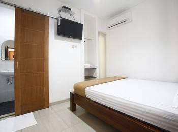 RedDoorz @Sudirman Jakarta - Reddoorz Room Special Promo Gajian