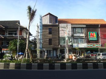 Bali Caps Hostel