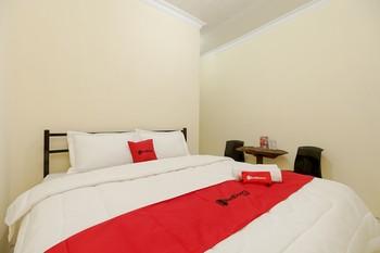 RedDoorz near Tahura Berastagi Karo - RedDoorz Room minstay2