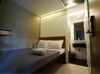 Lively Hotel Kualanamu Airport Medan Deli Serdang - Lively Room Regular Plan