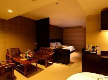 Emilia Hotel by Amazing Palembang - Suite Room - Non Smoking Regular Plan