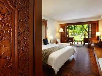 Nusa Dua Beach Hotel Bali - Palace Club Double atau Twin Room - with Breakfast breakfast