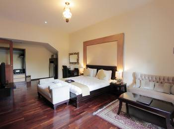 Marbella Pool Suites Seminyak - Junior Suite With Breakfast Regular Plan