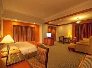 Planet Holiday  Batam - Premier Suite Room Regular Plan