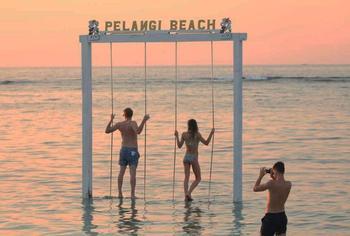 Pelangi Cottages and Bar