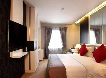 Gino Feruci Braga by KAGUM Hotels Braga - Superior Queen Room Breakfast December to Remember