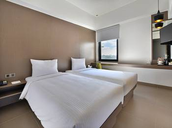 Whiz Prime Hotel Malioboro Yogyakarta - Superior Twin Room Only Regular Plan