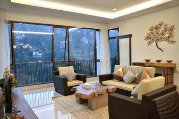 6 BR Pool Villa Dago Hill View 2 Bandung - Villa 6 Bedroom Weekdays Promo 5% OFF