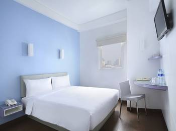 Amaris Hotel Bekasi - Smart Room Queen Regular Plan