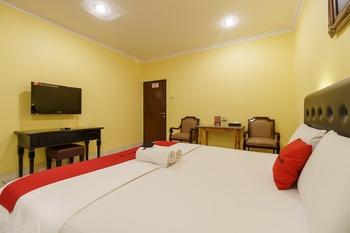 RedDoorz Plus near Ancol Jakarta - RedDoorz Limited SALE Regular Plan
