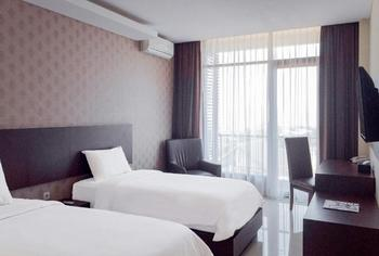 Balcony Hotel Sukabumi - Deluxe Twin Bed Room Only Regular Plan