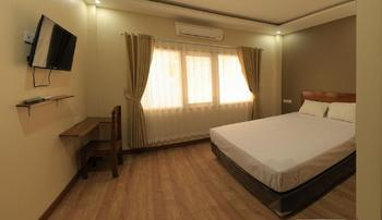 Bluefire Homestay Syariah Banyuwangi - DELUXE DOUBLE ROOM Room Only NR Stay More, Pay Less