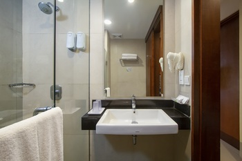 Prime Biz Kuta - Deluxe Double or Twin Room  Regular Plan