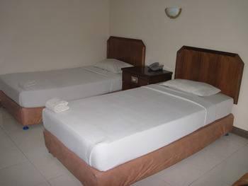 Hotel Furia Tanjung Pinang - Budget Room Regular Plan