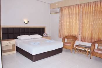 Hotel Furia Tanjung Pinang - Deluxe Executive Room Regular Plan
