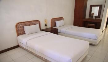 Hotel Pandu Lakeside Tuktuk Danau Toba - Superior Twin Room Regular Plan