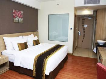 Golden Tulip Banjarmasin - Deluxe Double Bed with Breakfast Regular Plan