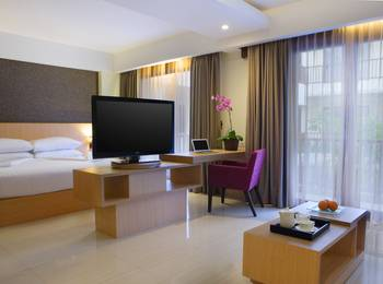 Sense Sunset Seminyak - Suite Room with Breakfast Regular Plan