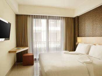 Sense Sunset Seminyak - Deluxe with Balcony with Breakfast Regular Plan