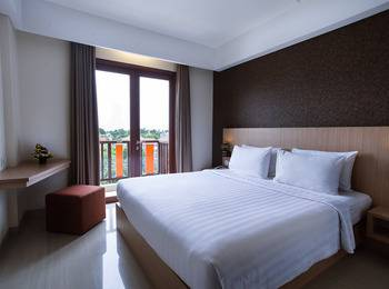 Sense Sunset Seminyak - Deluxe with Balcony with Breakfast A Day Time Deal