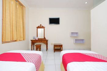 OYO 1534 Damai Residence Semarang - Deluxe Twin Room Regular Plan