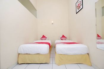 OYO 1534 Damai Residence Semarang - Standard Twin Room Regular Plan