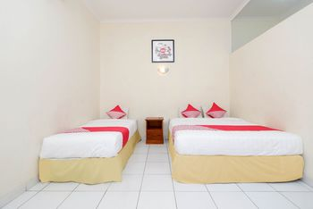 OYO 1534 Damai Residence Semarang - Deluxe Family Room Regular Plan