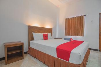 RedDoorz Plus near RSUD Majalengka Majalengka - RedDoorz Room Long Stays 3D2N