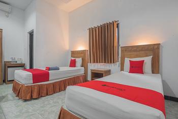 RedDoorz Plus near RSUD Majalengka Majalengka - RedDoorz Twin Room Long Stays 3D2N