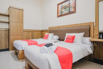 RedDoorz Plus @ Jalan Dr. Cipto Mangunkusumo Lampung Bandar Lampung - RedDoorz Twin Room Best Deal