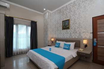 Airy Ahmad Yani Bunyamin Permai 3 Banjarmasin - Standard Double Room with Breakfast Special Promo Aug 28