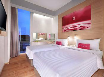 fave hotel Palembang - Standard Room with Breakfast Regular Plan