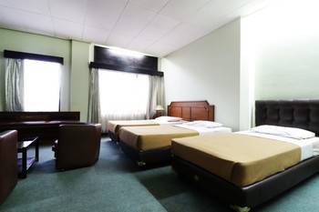 Hotel Istana Bandung Bandung - Triple room Regular Plan