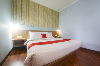 RedDoorz Plus @ Celaket Malang - RedDoorz Room Basic Deal