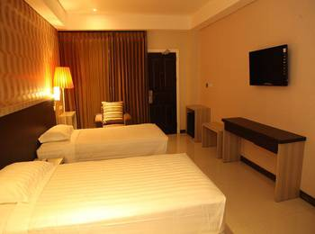 Hotel Sylvia Kupang - Deluxe Triple Regular Plan