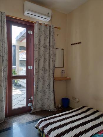 Green Surabaya Homey (Syariah) Surabaya - Backpacker Room (AC) Regular Plan
