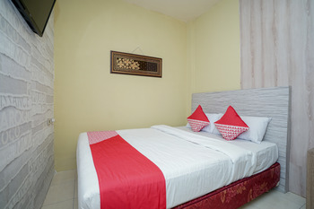 OYO 736 Hotel Best Skip Palembang - Standard Double Room Regular Plan