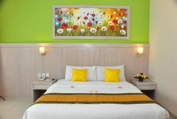 Hotel Puri Saron Denpasar Bali - FREE Upgrade to Deluxe Room Only Superior Room Flash Deal