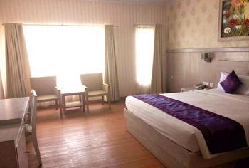 Hotel Puri Saron Denpasar Bali - Deluxe Room Flash Deal