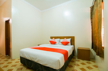 OYO 1667 Edotel Smkn 1 Pacet Syariah Cianjur - Deluxe Double Room Regular Plan